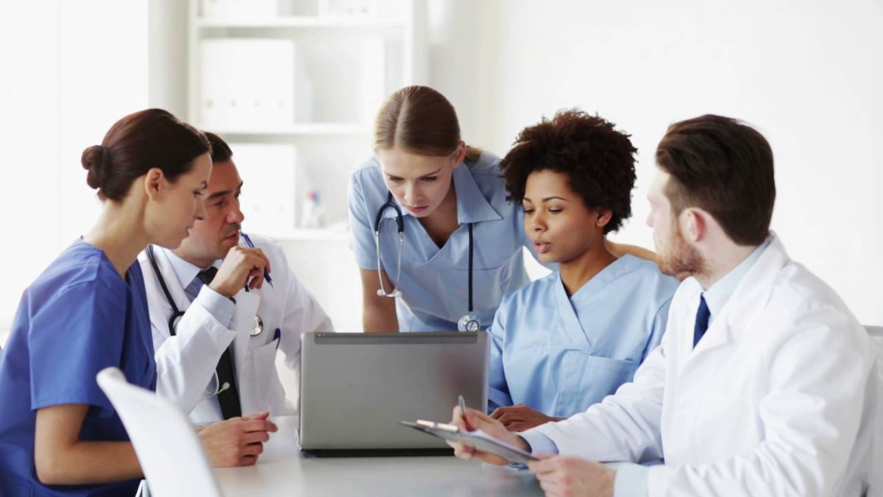 3 Signs A Career in Healthcare Might Be Right For You